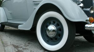 1934-plymouth-convertible-tyre